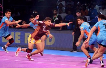 Pro Kabaddi: Bengal Warriors pip UP Yoddha 32-31 to inflict fourth consecutive home defeat