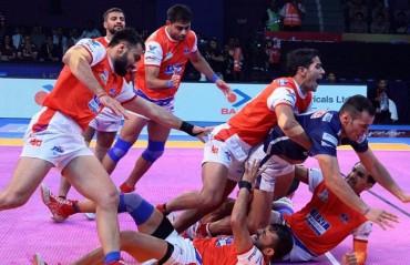 Pro Kabaddi: Haryana Steelers hold their nerve to beat Dabang Delhi 27-25