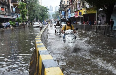 Indian MMA community extends support To people during Mumbai Floods