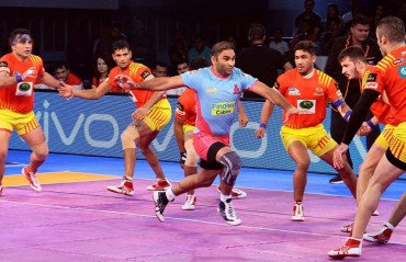 Pro Kabaddi: Jaipur Pink Panthers win 31-25; become 2nd team to beat Gujarat Fortunegiants