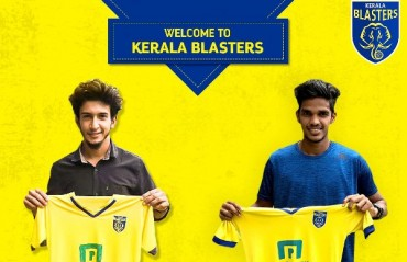 ISL 2017 - Kerala Blasters FC sign two local young players having played in Santosh trophy