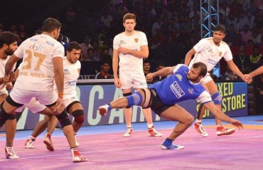 Pro Kabaddi: Haryana Steelers hold their nerves in dying minutes, to defeat Dabang Delhi 27-24