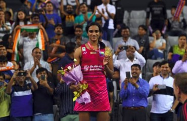 Sindhu beats Okuhara to clinch Korea SS title; becomes first Indian to win in Korea