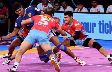 Pro Kabaddi: Nitin Rawal, Sidharth, Pawan star as Jaipur Pink Panthers overcome Dabang Delhi 36-25