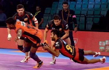 Pro Kabaddi: Kashiling Adake shines as U Mumba stun Bengaluru Bulls 42-30