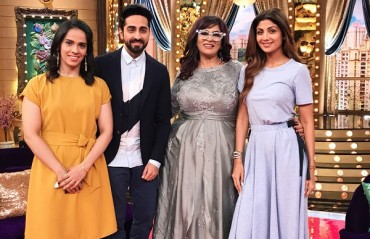 WATCH: Saina play badminton on the sets of a TV show