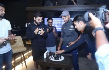 WATCH: Virat Kohli hosts Shikhar Dhawan's anniversary celebration at his restaurant