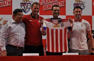 ISL 2017: Teddy Sherringham, Robbie Keane reveal new team kit, thank fans