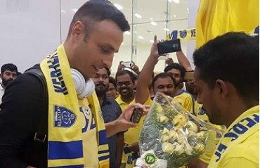 WATCH: KBFC fans arranged a grand welcome for Dimitar Berbatov