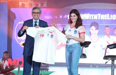 Delhi Dynamos unveil new kit for 4th edition of the Indian Super League