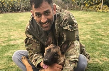 WATCH: Dhoni undertakes agility training for his pet dogs in Ranchi