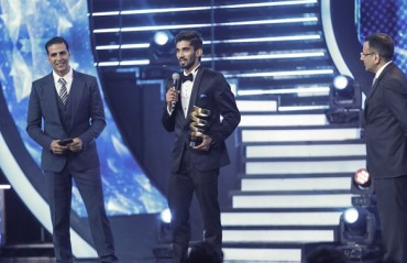 Srikanth humbled to receive the 'Sportsperson of the Year' at Indian Sports Honours