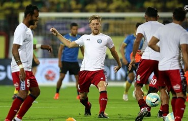 ISL 2017: Great saves from the KBFC keeper to end the game goalless against Jamshepur FC