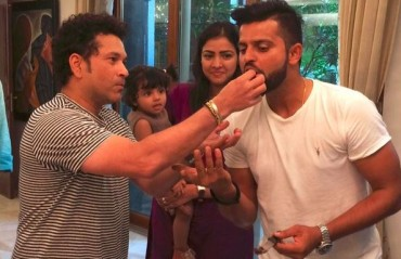 WATCH: Sachin Tendulkar celebrates Suresh Raina's birthday by inviting his family for lunch