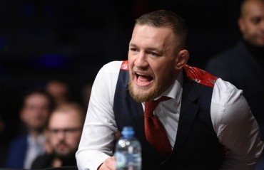 Conor McGregor reacts to the UFC 219 performance Of Khabib Nurmagomedov, takes shot at Mayweather
