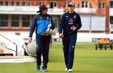 IPL 2018: Joe Root should keep himself unavailable for IPL, says England Coach Trevor Bayliss