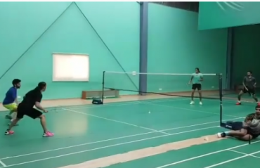WATCH: Doubles action between Gopichand / Sindhu vs Saina / Gurusaidutt