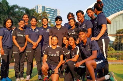 WATCH: Tendulkar meets Indian Women cricketers ahead of their South Africa tour