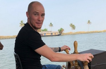 FAMILY DAY OUT: Iain Hume & family spend time together at the backwaters of Kerala
