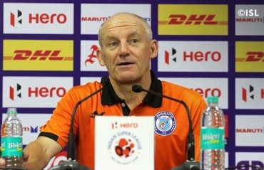 ISL 2017-18: I like to stay back & analyze, says Jamshedpur coach explaining why he stands near the dugout