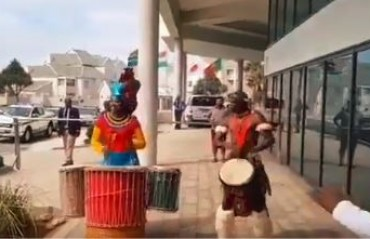 WATCH: Team India receives a warm welcome at Port Elizabeth ahead of 5th ODI