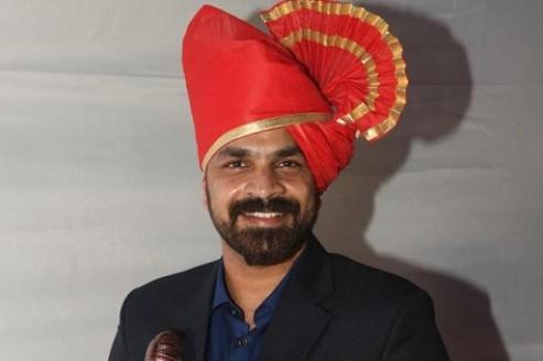 Shuttler Akshay Dewalkar receives 'Shri Shiv Chhatrapati Awardee' from Maharashtra govt