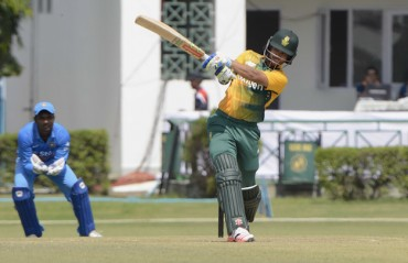 Duminy defends South African bowlers after India A loss