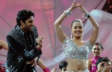 Crazy kiya re: Aishwarya to dance to medley of her songs at ISL opener