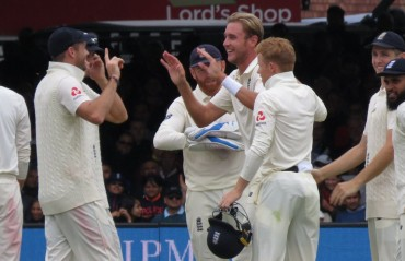 England name unchanged squad for third Test