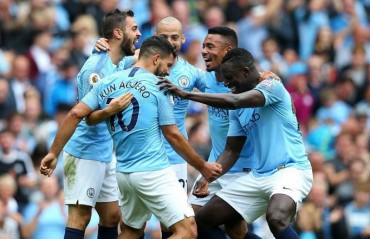 Aguero hat-trick in Manchester City's 6-1 win over Huddersfield
