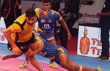 Tamil Thalaivas & Telugu Titans clash in Vivo Pro Kabaddi Season VI Opner