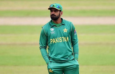 Pakistan drop Hafeez, Shah from Asia Cup squad