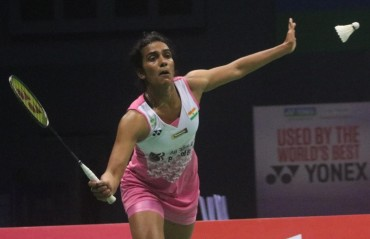 Shuttlers Srikanth, Sindhu crash out of China Open