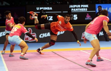 U Mumba beat Jaipur Pink Panthers (39-32) to kick start their winning campaign of VIVO Pro Kabaddi Season VI