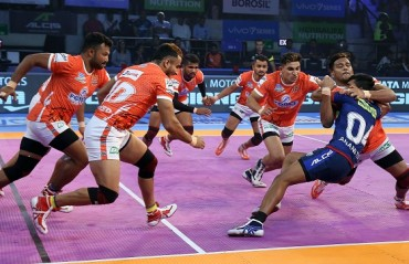 Puneri Paltan climbed to the top of Zone A table in Vivo Pro Kabaddi Season VI with a resounding 45-27 win over Haryana Steelers.