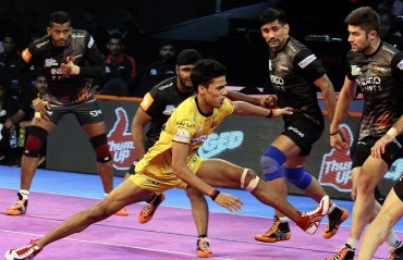 A terrific raiding performance by Siddharth Desai saw U Mumba hammer Telugu Titans 41-20 in the Inter Zone Challenge Week
