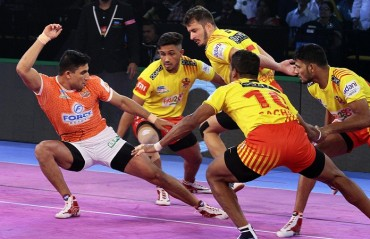 Nitin's century of no use as Puneri Paltan lose to Gujarat Fortunegiants by 26-37