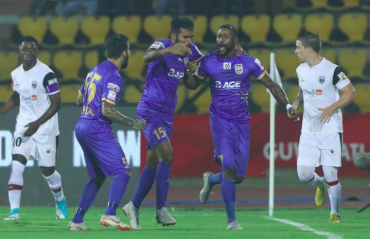 ISL 2018-19 : NorthEast United taste first defeat of their campaign to Mumbai City