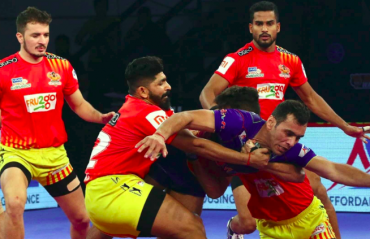 Pro Kabaddi 2018 HIGHLIGHTS -- Dabang Delhi get superb last minute victory over Gujarat Fortunegiants