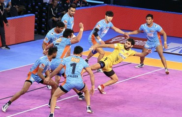 Bengal Warriors continued their hot streak in their home leg as their beat Telugu Titans 39-34 in Vivo Pro Kabaddi Season 6.