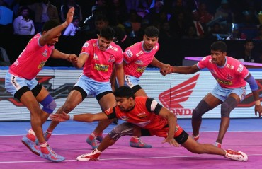 Bengaluru Bulls wrapped up their league campaign in style as they beat Jaipur Pink Panthers 40-32.