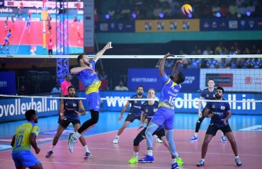 Kochi Blue Spikers overcome the Ahmedabad challenge on Day 5 of RuPay Pro Volleyball League