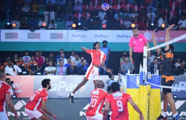 Calicut Heroes qualify for the playoffs as they see off Hyderabad 3-2 on Day 9 of RuPay Pro Volleyball League
