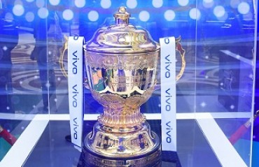 VIVO IPL 2019 Trophy Tour begins!