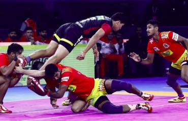 Pro Kabaddi 2019 -- Gujarat Fortunegiants hand maiden defeat to defending champs Bengaluru Bulls