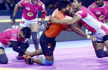 Pro Kabaddi 2019: Deepak Hooda's super 10, demolishes U Mumba as Jaipur Pink Panther wins 42-23