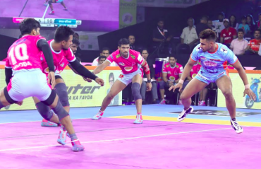 Pro Kabaddi 2019 -- Jaipur edge Bengal in hard fought close encounter