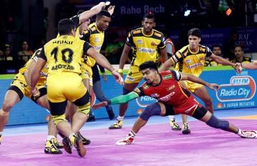 WATCH HIGHLIGHTS: Pawankumar Sehrawat demolishes Telugu Titans as Bengaluru Bulls wins the match 47-26