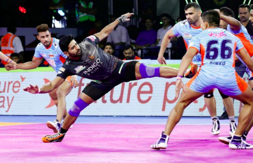 WATCH HIGHLIGHTS -- Pro Kabaddi 2019 -- Bengal Warriors edge U Mumba by 2 points