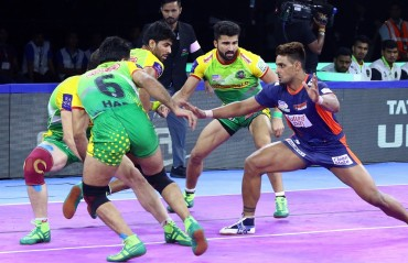 WATCH PKL HIGHLIGHTS: Bengal Warriors produced an all-round performance to beat Patna Pirates 35-26